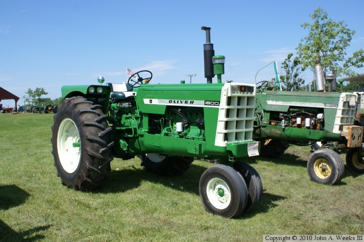 oliver 00 series tractors 1960 1964 1800