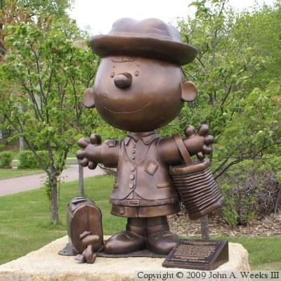 Bronze Peanuts Statues