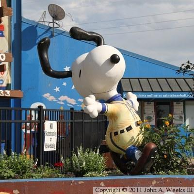 Peanuts On Parade   Snoopy   Snoopy As A U002739 St. Paul Saint